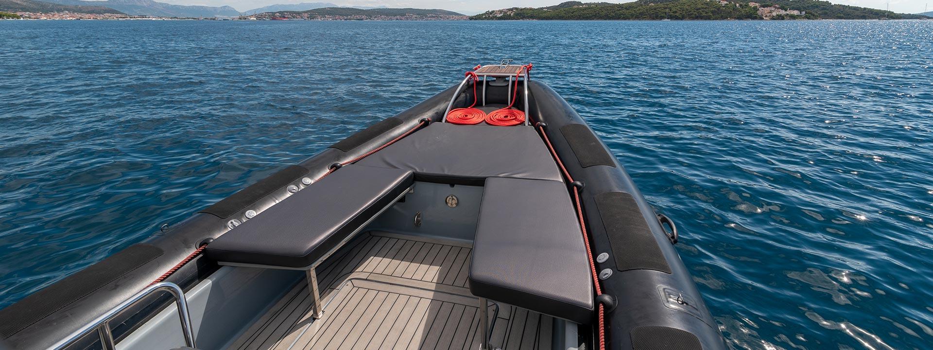 mayer-charter-boat-header-valiant-760-sport-03