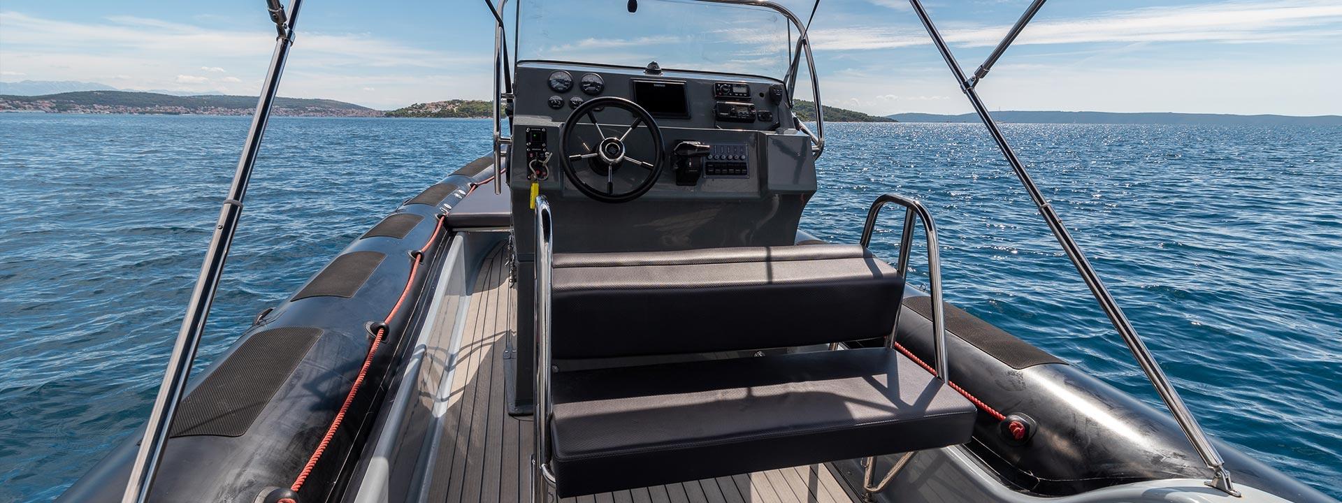 mayer-charter-boat-header-valiant-760-sport-04