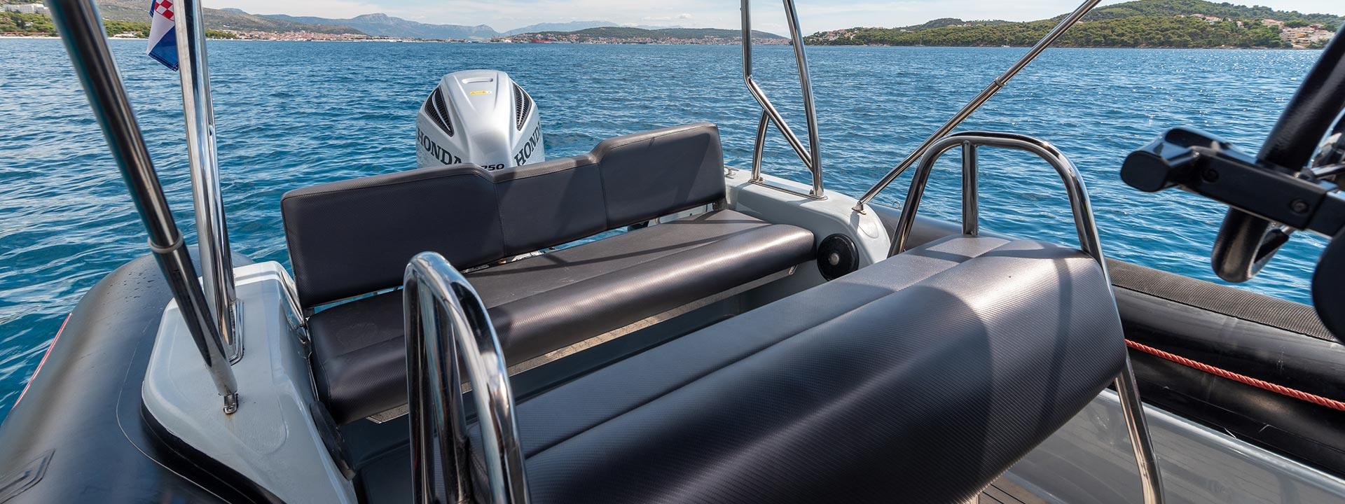 mayer-charter-boat-header-valiant-760-sport-05