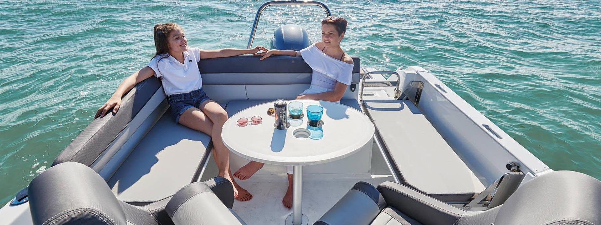 mayer-charter-boat-header-jeanneau-cap-camarat-6.5-02