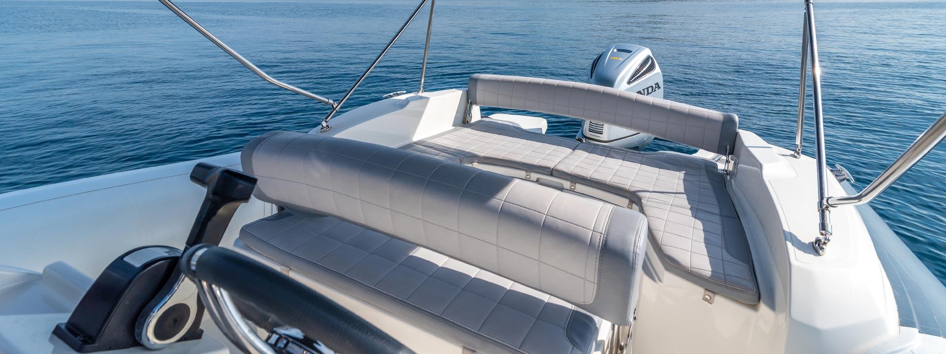 mayer-charter-boat-header-jeanneau-marlin-790-05