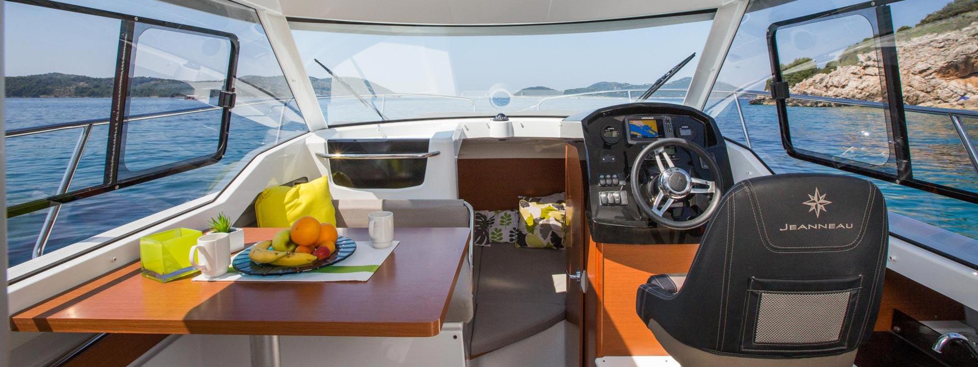 mayer-charter-boat-header-jeanneau-merry-fisher-795-03