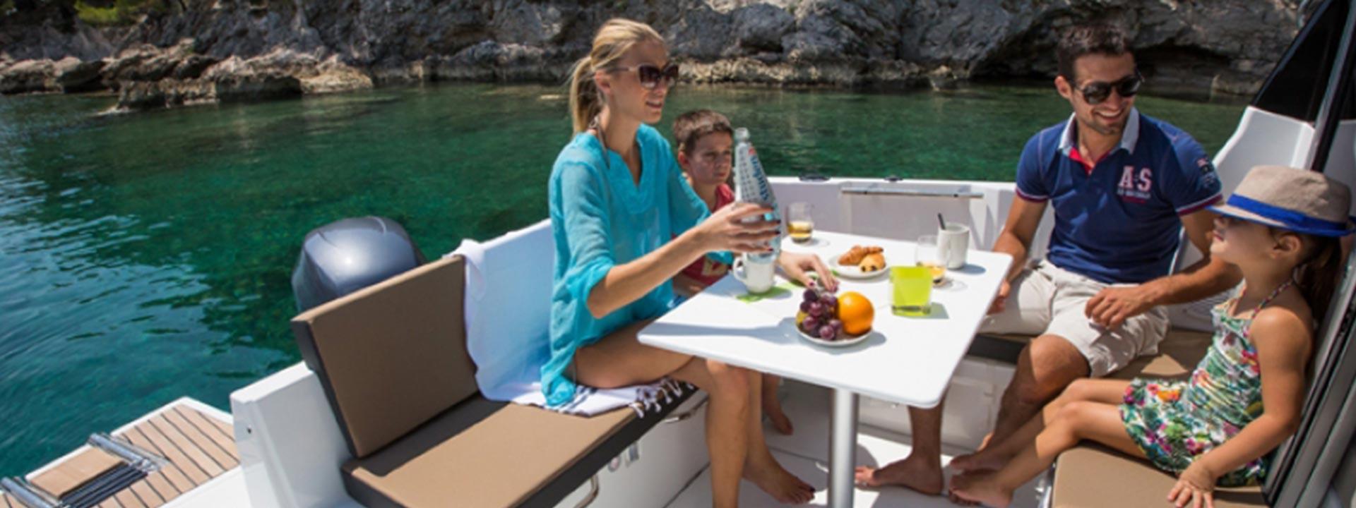 mayer-charter-boat-header-jeanneau-merry-fisher-795-05