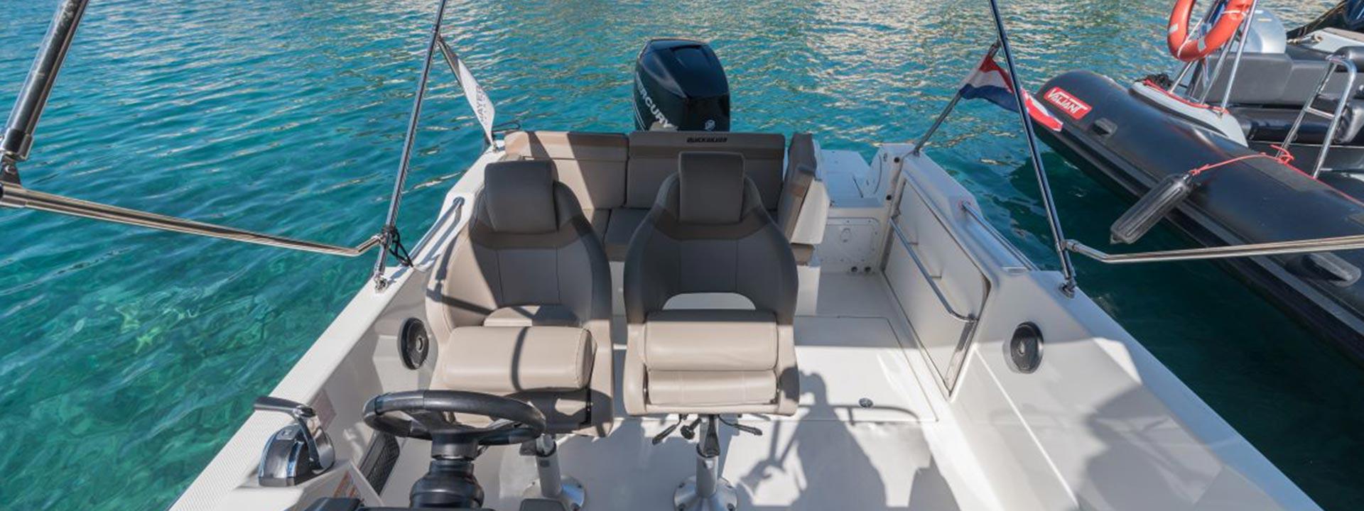 mayer-charter-boat-header-quicksilver-activ-755-sundeck-04